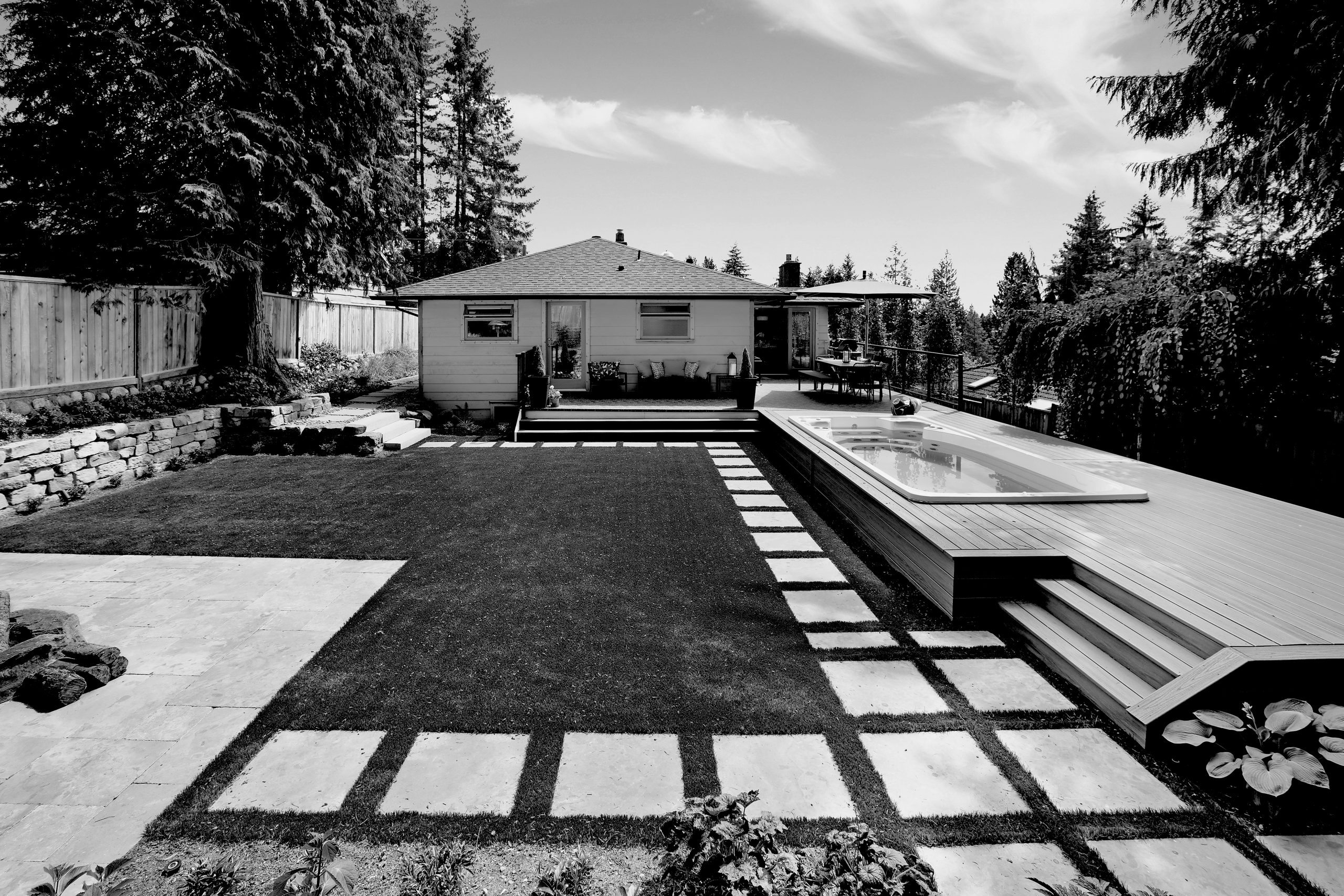 1010 Clements Ave_01_B+W